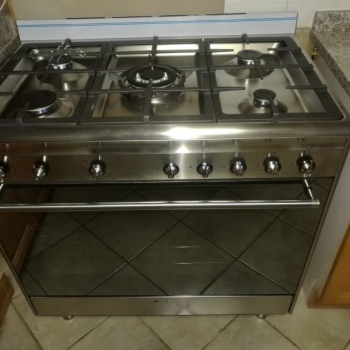 Electrical-Installations-installed-this-5-burner-Smeg-gas-stove0003