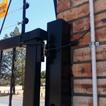 Electrical-Installations-inspected-this-Electric-fence-for-the-installer004