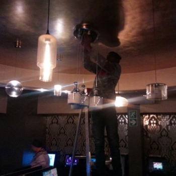 Electrical-Installations-Replacing-globes-at-Queens-CNR-Pretoria03
